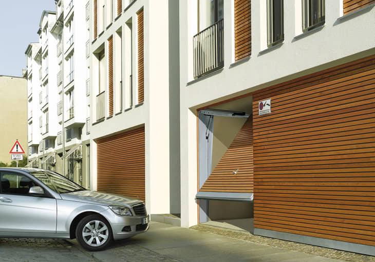 Puerta de garatge comunitari